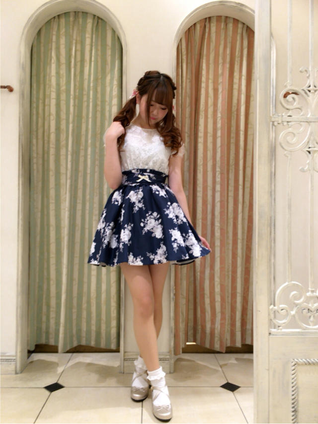 渋谷店♡お花いっぱい大人ガーリーコーデ