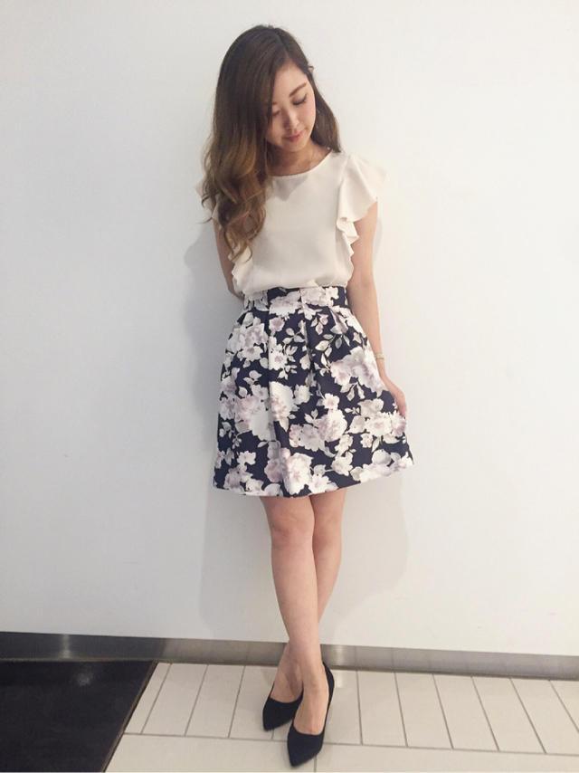 清楚感ある花柄スカート♡